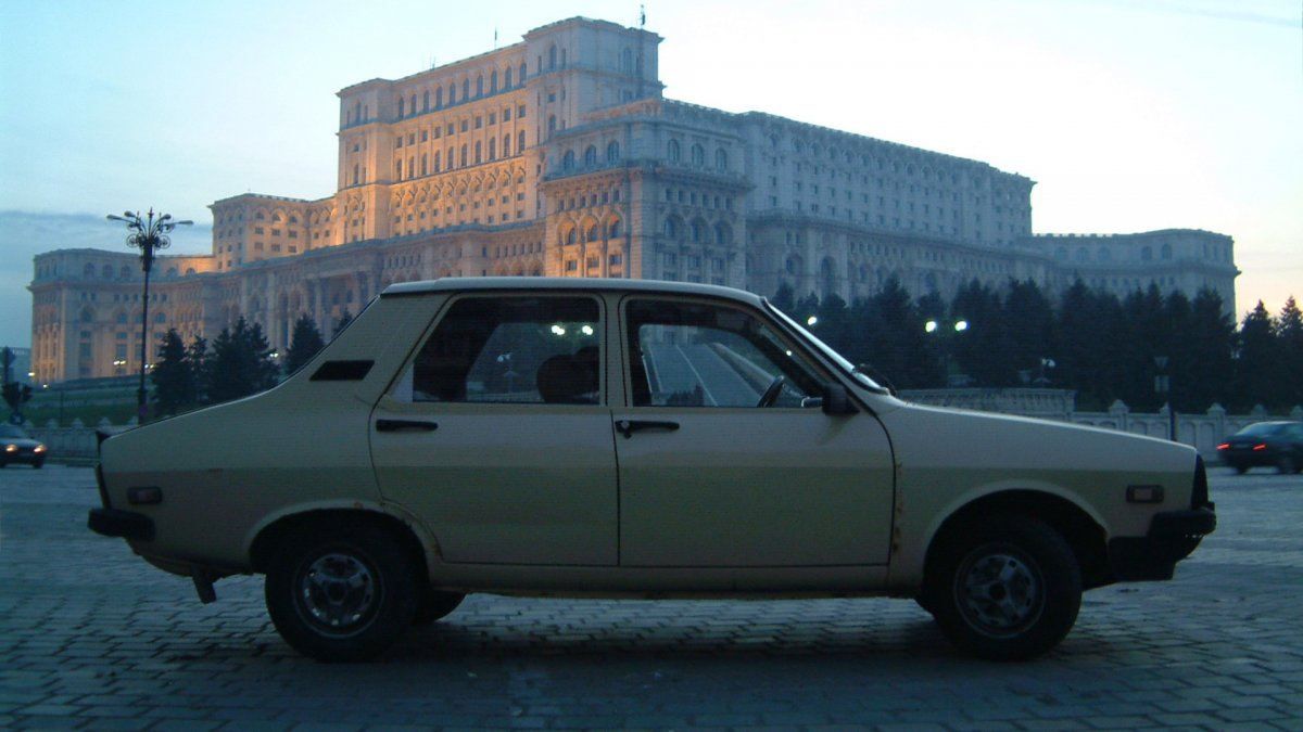 2003: Dacia: 30 Years of Social History - Vlad Nancă